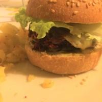 Burger végétal, steack de betterave.