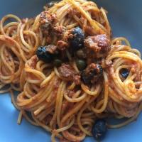Spaghetti retour de barbecue et sauce tomate